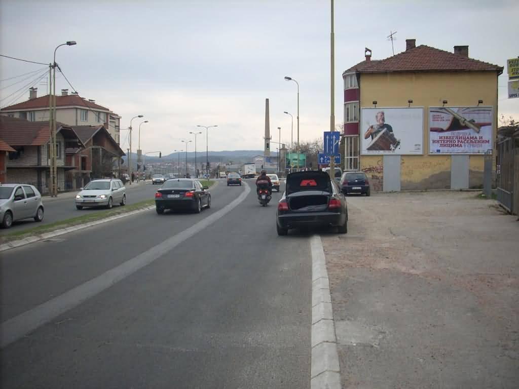 KG 1 06 B i KG 2 BD Kragujevac Bulevar Kraljice Marije na 300m od PLAZA centra